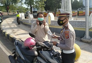 Polisi Lalu lintas di Soppeng gelar Sosialisasi Ops Keselamatan dan Bagi Masker