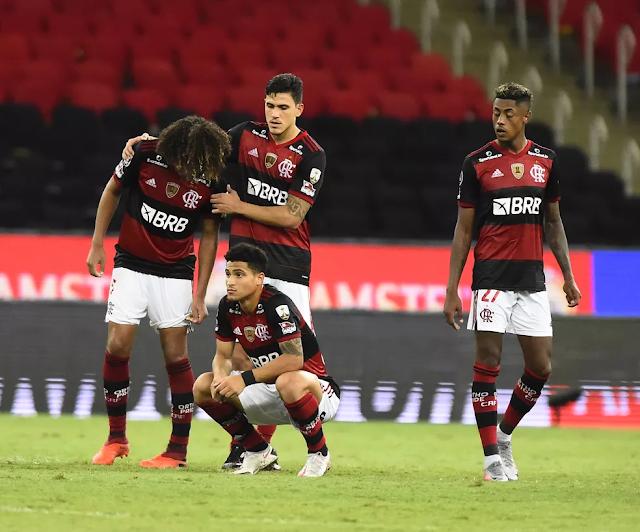 Incompetente e displicente: O jogo que sintetiza o Flamengo de cima a baixo.