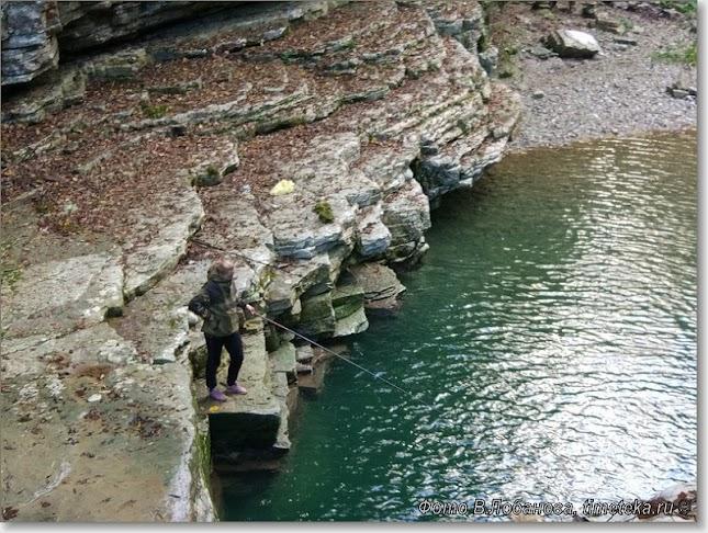 Рыбачка в каньоне Псахо