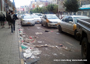 Once the upscale hangout of expats and elite Yemenis, Hadda Street is now full of trash thanks to a strike by garbage collectors and street cleaners. Sana'a, Yemen