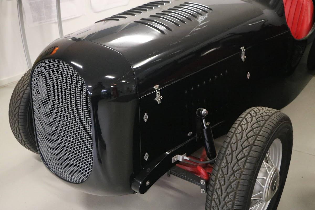 Carl_Lindner_Collection - 1936 Ford V8 Special - Black Bess 11.jpg