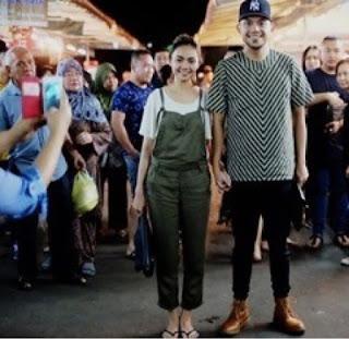 foto rina nose dan fakhrul razi di pasar brunei darussalam