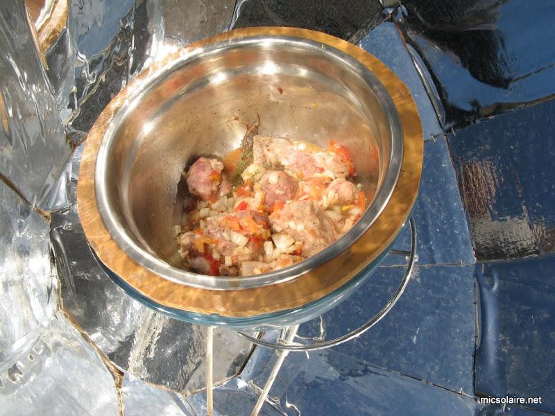 Sauté de porc carottes avec le Parvati solar cooker IMG_0005-5