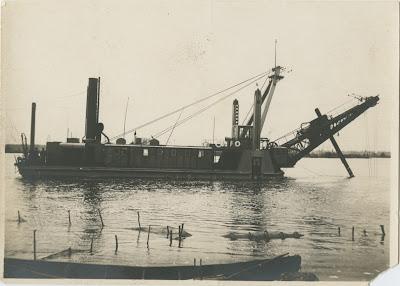 """Углубитель (багорка) """"Hiiglane"""" в Васкнарве. 1930 г.(из собрания Эст. морского музея MM F 7539)"""