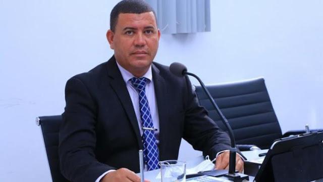 Vereador é baleado após emboscada em Teixeira de Freitas