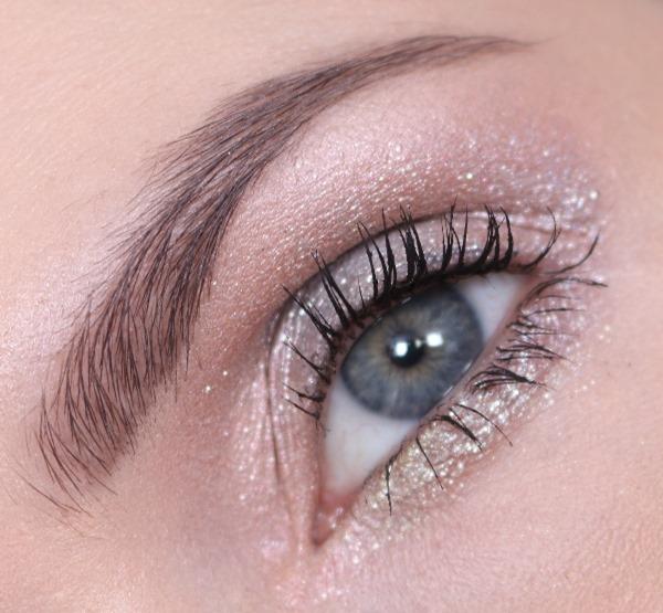 EyeshadowShinyPrettyThingsMAC11