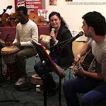 Para esta ocasión presentaron un repertorio en el que se incluían versiones de Bob Marley, Noa o Jason Mraz.