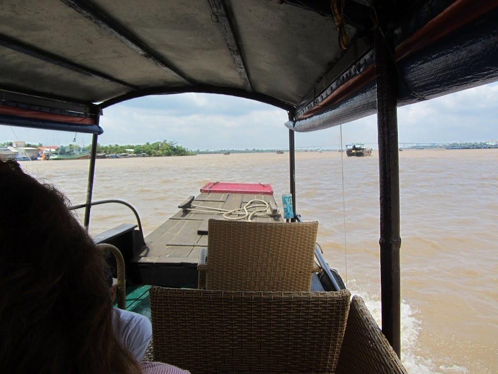 0022A_Day_on_the_Mekong