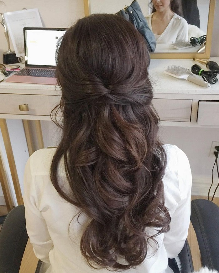 Half Up Half Down Hairstyles For Woman In 2018 8