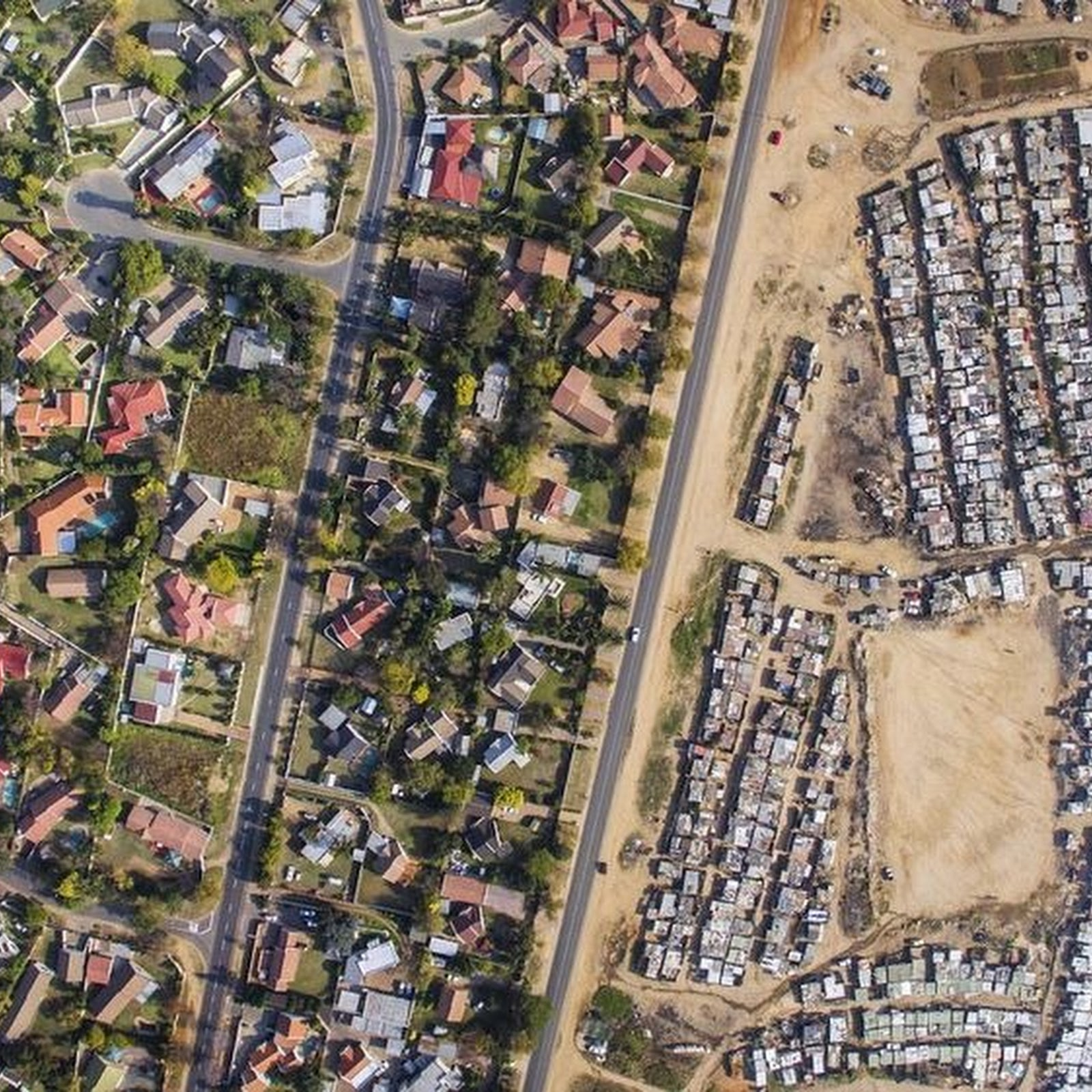 Drone Photos Capture The Rich/Poor Divide in Cape Town