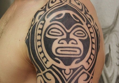 tribal_asteca_tatuagem_no_braço