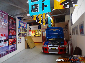 Japanese Performance Parts waiting area