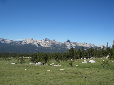 We picked out some of the trails we've hiked through those peaks ©http://backpackthesierra.com