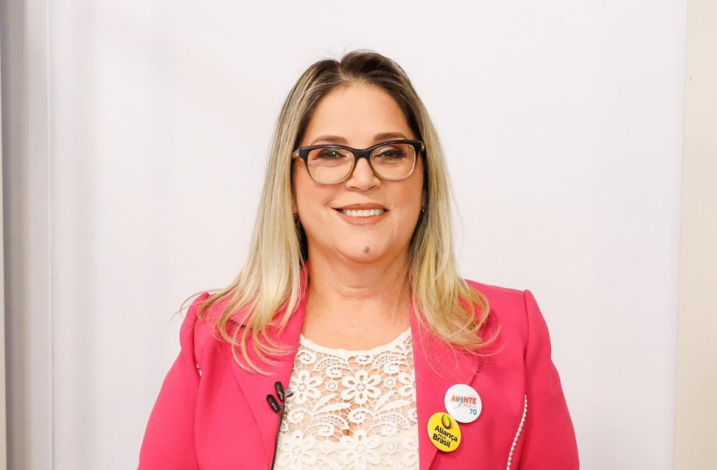 "Candidata quer transformar Curitiba na ""capital pró-vida do Brasil"""