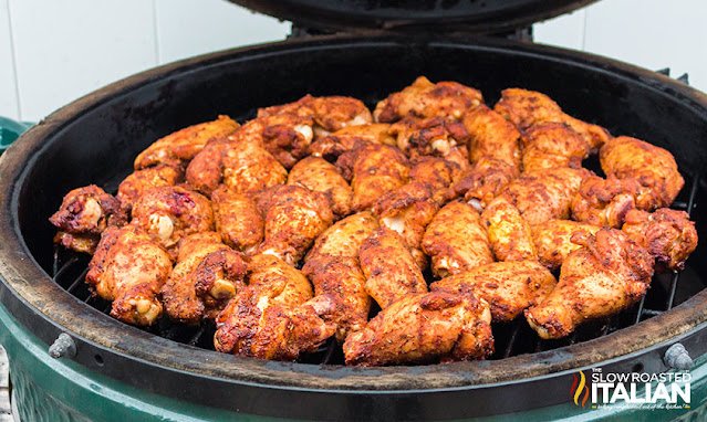 smoked wings on a green egg used as a smoker