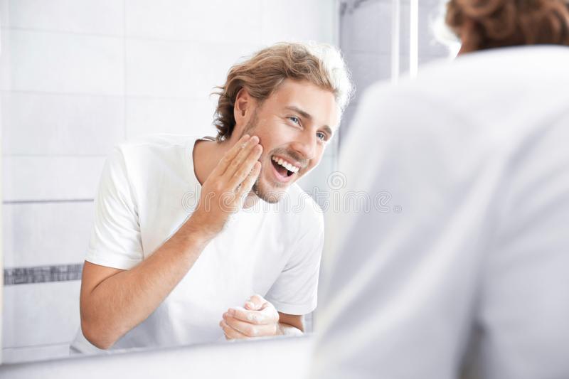 short beards, types of beards,  how to grow a beard,  beard growth oil,  how to trim a beard, patchy beard,  beards styles,  full beard styles,