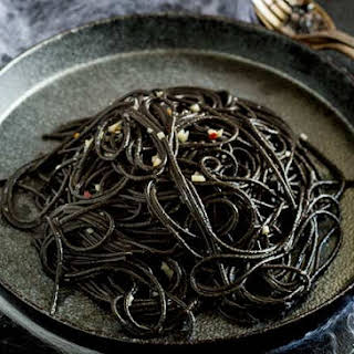 Witches Hair Pasta (Squid Ink Pasta) - A Great Halloween Dinner.
