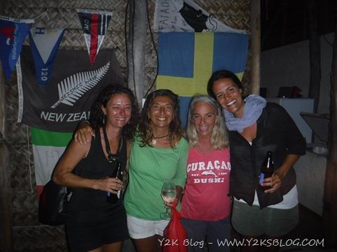 Con Dagmar, Raffaella (S/Y Obiwan), Marina (S/Y Meccetroy) - Fakarava