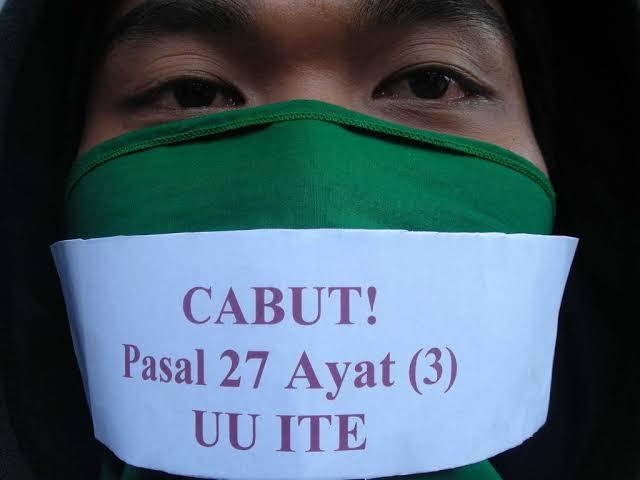 Pejabat dan Pengusaha Paling Sering Pakai UU ITE untuk Laporkan Orang