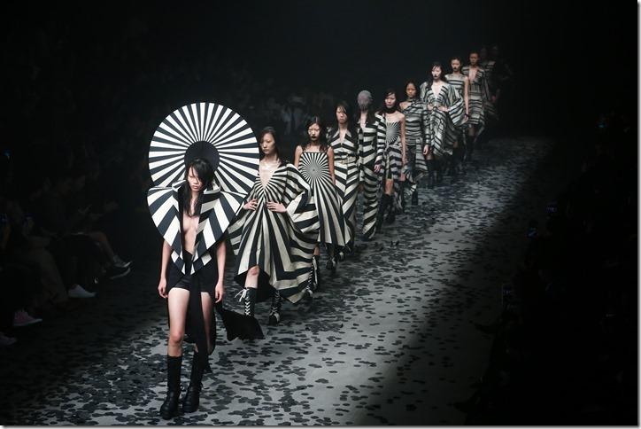 Mercedes-Benz China Fashion Week_GarethPugh22