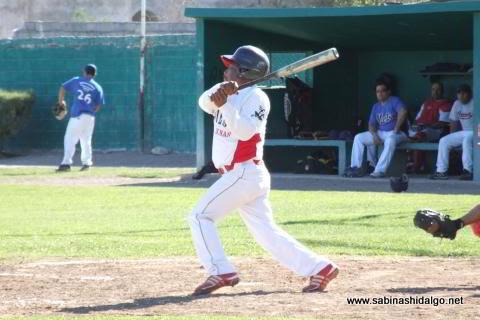 Alejandro Ortegón de Tiburones en el beisbol municipal