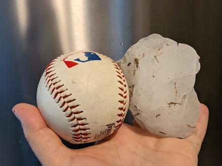 Χαλαζόκοκκος σε μέγεθος μπάλας του μπέιζμπολ καταγράφηκε χθες στην Αλαμπάμα
