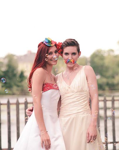 sidebmodeling_loveislove_rainbows.jpg