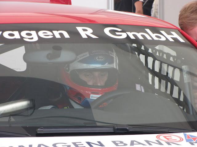Adam Gładysz na kilka minut przed wyścigiem na torze w Oschersleben