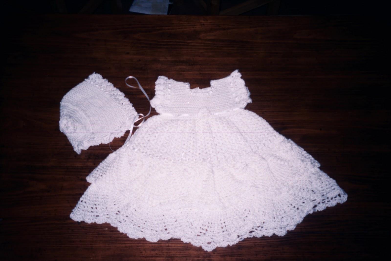 vestido integramente en crochet realizado en dralon de veranoi