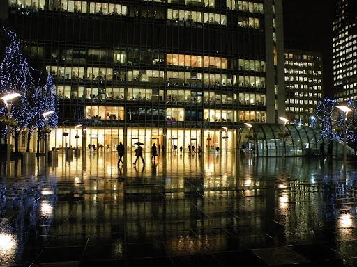 Дождливый вечер в Кэнэри Ворф, Лондон