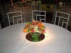 Album (digital) de fotos de CLUBE DA AERONAUTICA. Fotografias digitais da Carla Flores, que faz decoração floral em eventos sociais e corporativos usando as mais lindas flores. Faz bouquet (buquê) de noiva, decoração de casamento, decoração de festas, decoração de 15 anos, arranjos de mesa, decoração de salão de festa, locação de mobiliário, decoração de igreja, arranjos de casamento e decoração dos mais lindos eventos. Atua em Niterói, Rio de Janeiro (RJ).