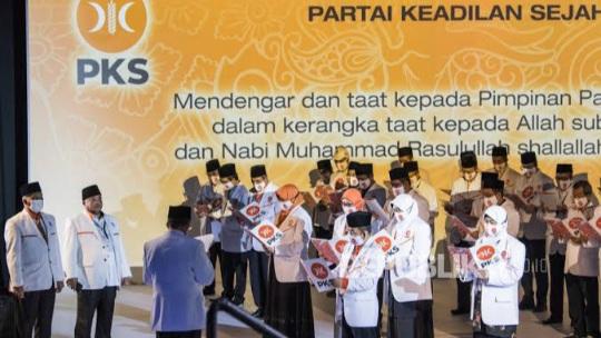 PKS Resmi Izinkan Kader Poligami Nikahi Janda