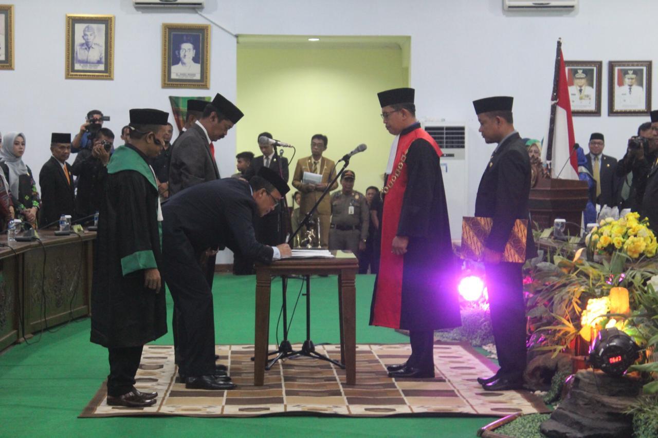 SAH, Saharuddin Adam Resmi Jadi Ketua DPRD Kabupaten Soppeng Periode 2019-2024