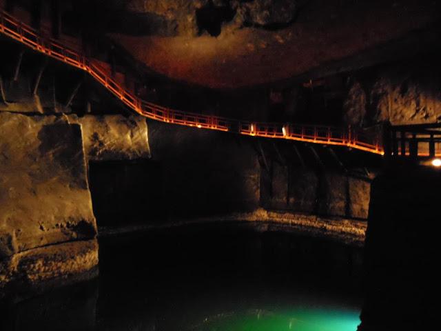 Lago en las minas de sal de Wieliczka