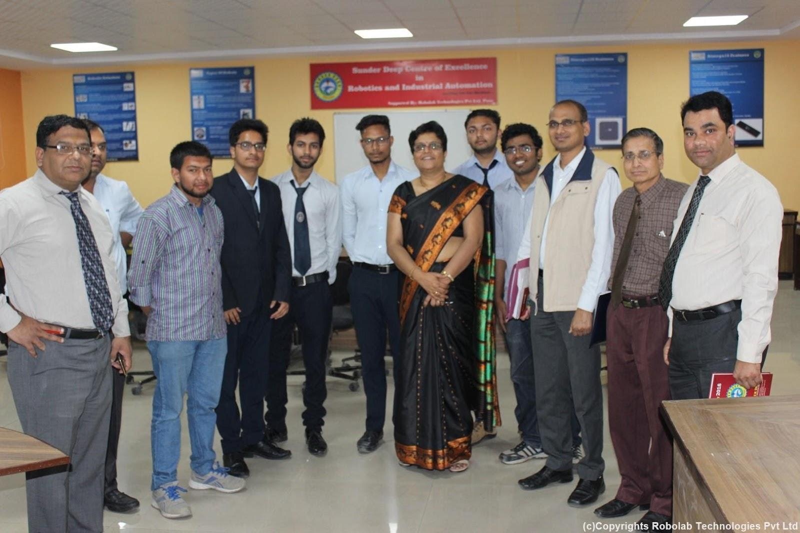 SunderDeep Group of Institutions, Ghaziabad Robolab (8).jpg