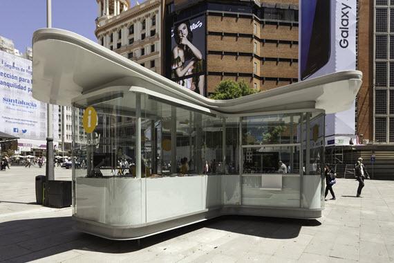 Nuevos quioscos de información turística en Atocha, Callao y Bernabéu