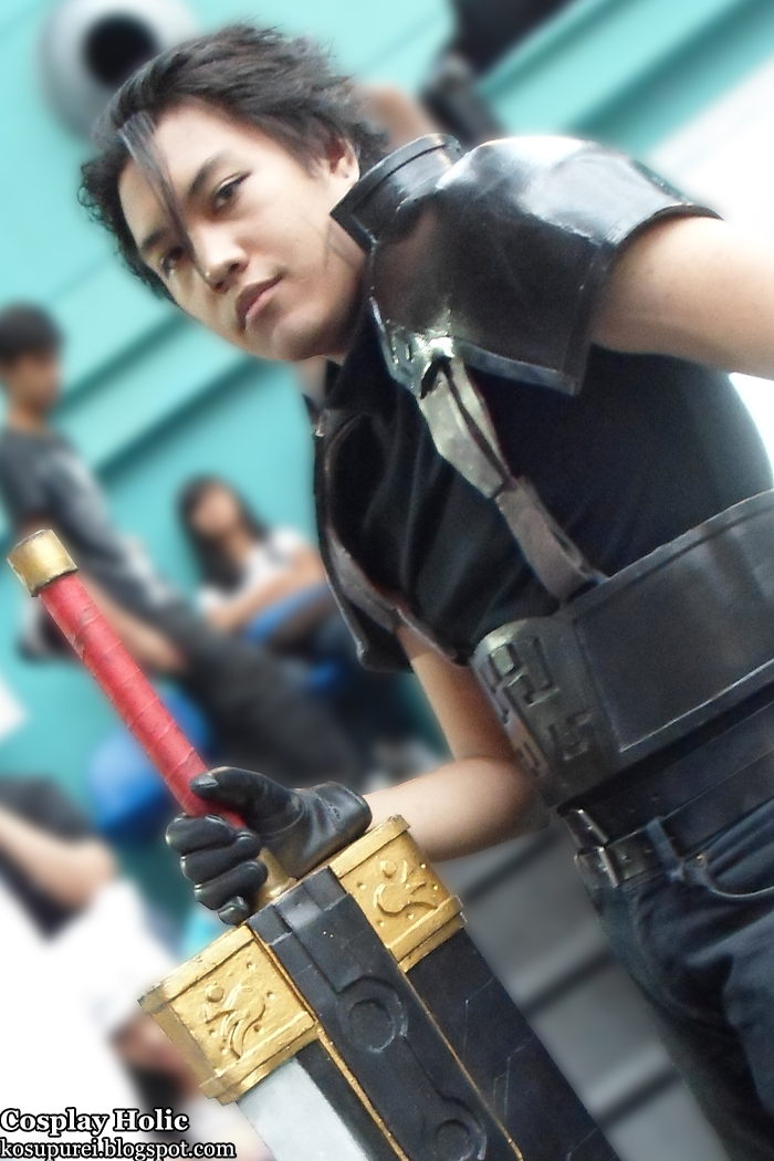 crisis core: final fantasy vii cosplay - zack fair at oh no! manga cosplay camp