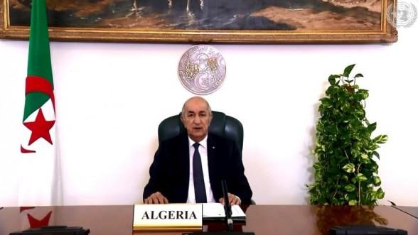 Argelia autoriza a su ejército a intervenir militarmente en el extranjero por primera vez en su historia.