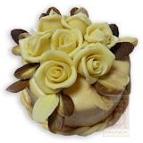 31. kép: Ünnepi torták - Sarga rózsás torta