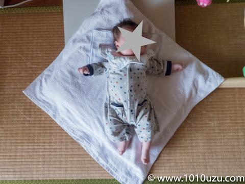 銘仙判座布団が小さくなってきた2か月の息子
