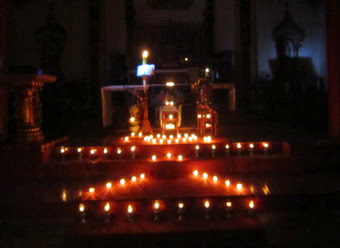 Giới trẻ Bạch Liên - Quảng Nạp - Hải Nạp cầu nguyện cho THĐMTG về gia đình