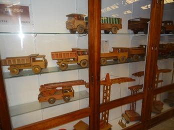 2017.10.23-035 jouets Dejou en bois