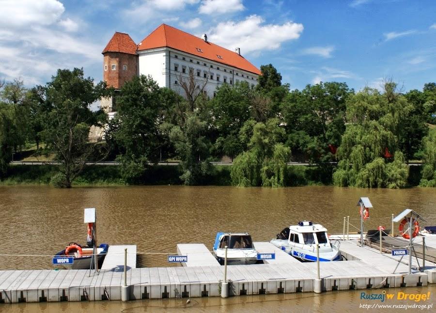 Sandomierz nad Wisłą - łodzie policji wodnej