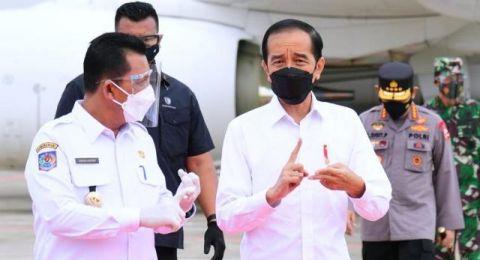 Sindir Jokowi, Rocky Gerung Usul Pertanyaan TWK: Adakah Bipang di Padang?