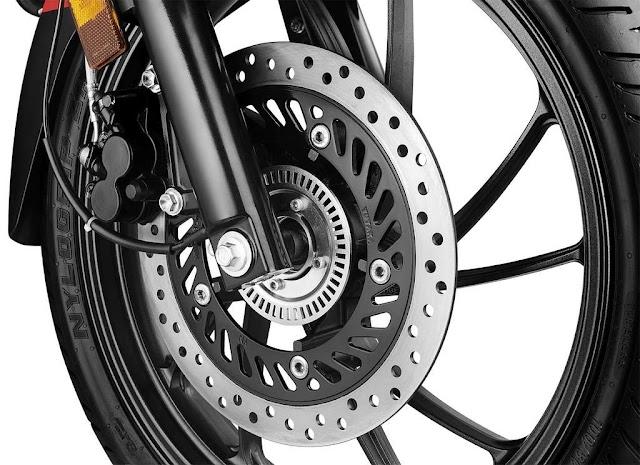 मोटरसाइकिल के डिस्क ब्रेक में छेद क्यों होता हैं:-