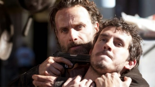 The-Walking-Dead-S04E16-A-Season-Finale-Review-Crítica