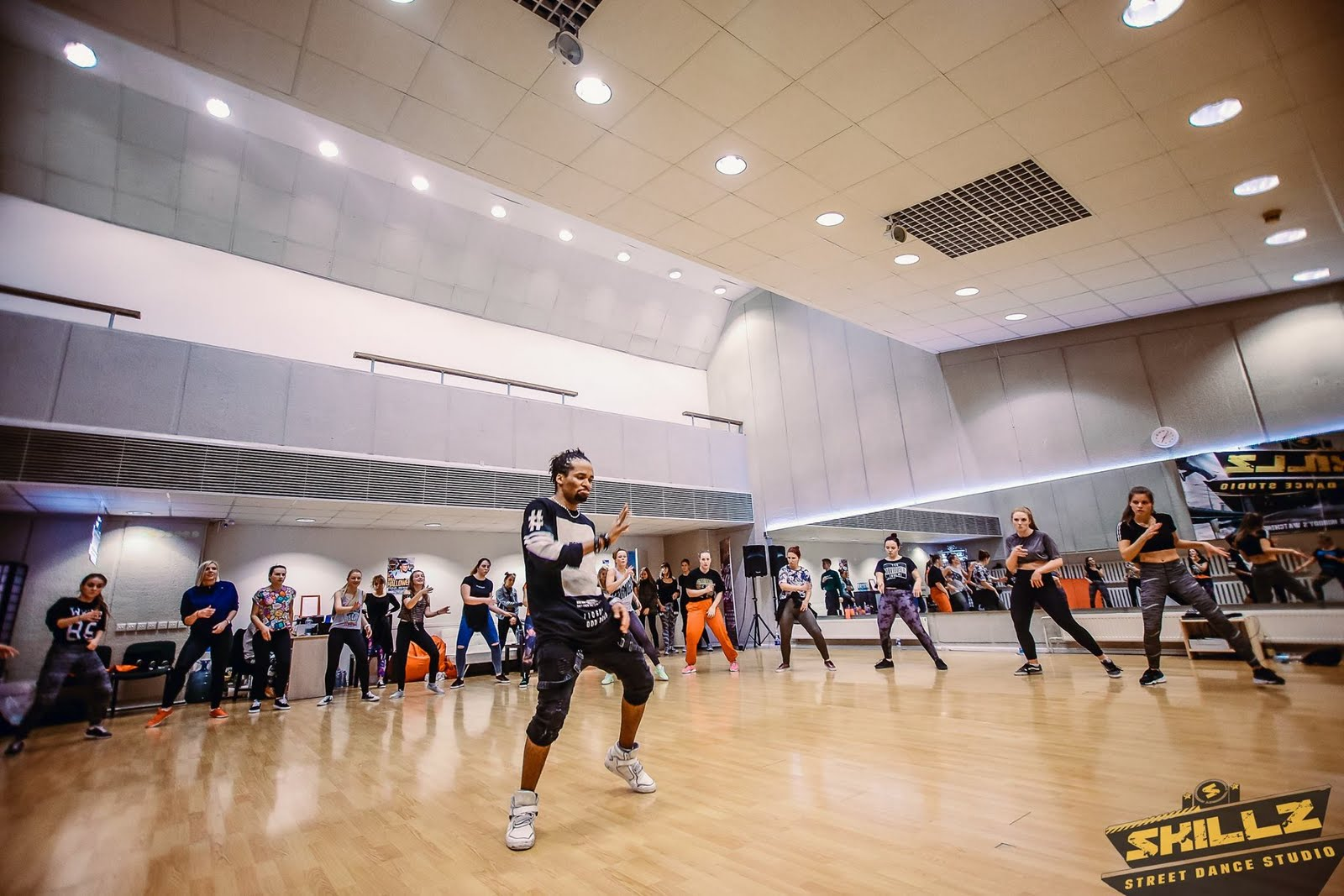 Dancehall workshop with Jiggy (France) - 49.jpg