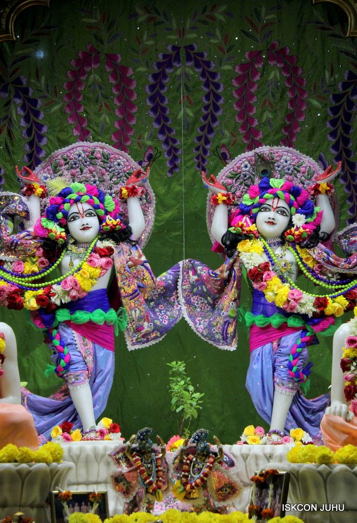 ISKCON Juhu Deity Darshan on 20th Oct 2016 (33)