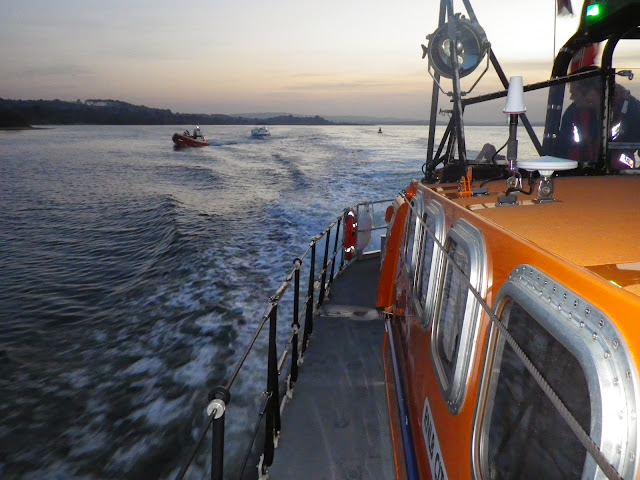 Looking back at the ILB towing the motor cruiser in the Wareham Channel - 31 October 2014. Photo credit: Dave Riley