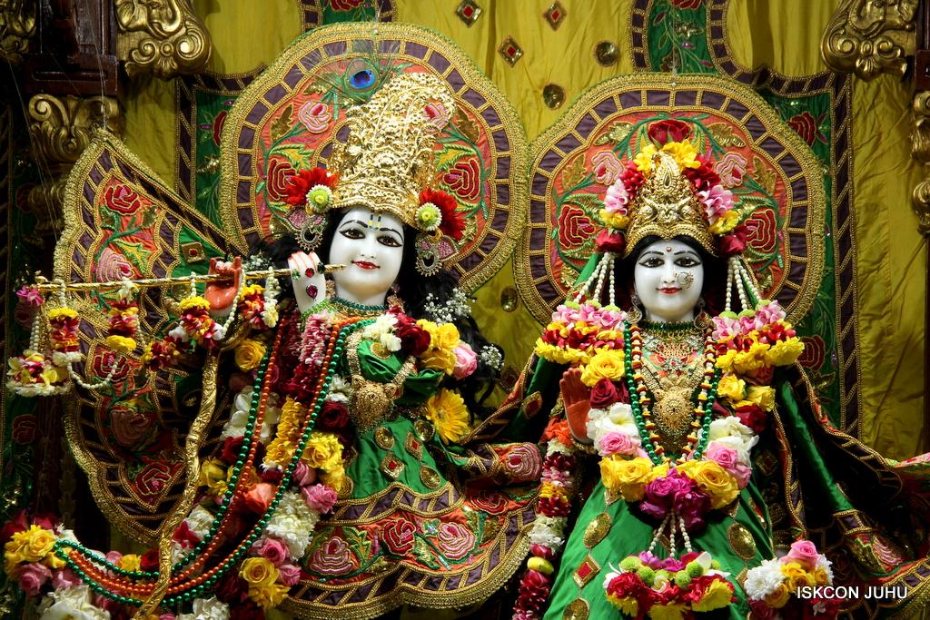 ISKCON Juhu Sringar Deity Darshan on 18th Jan 2017 (3)